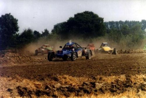 Markus Rausch 1997 1.6 l van Kronenburg Rausch vor J. Peters Quelle: Buchse
